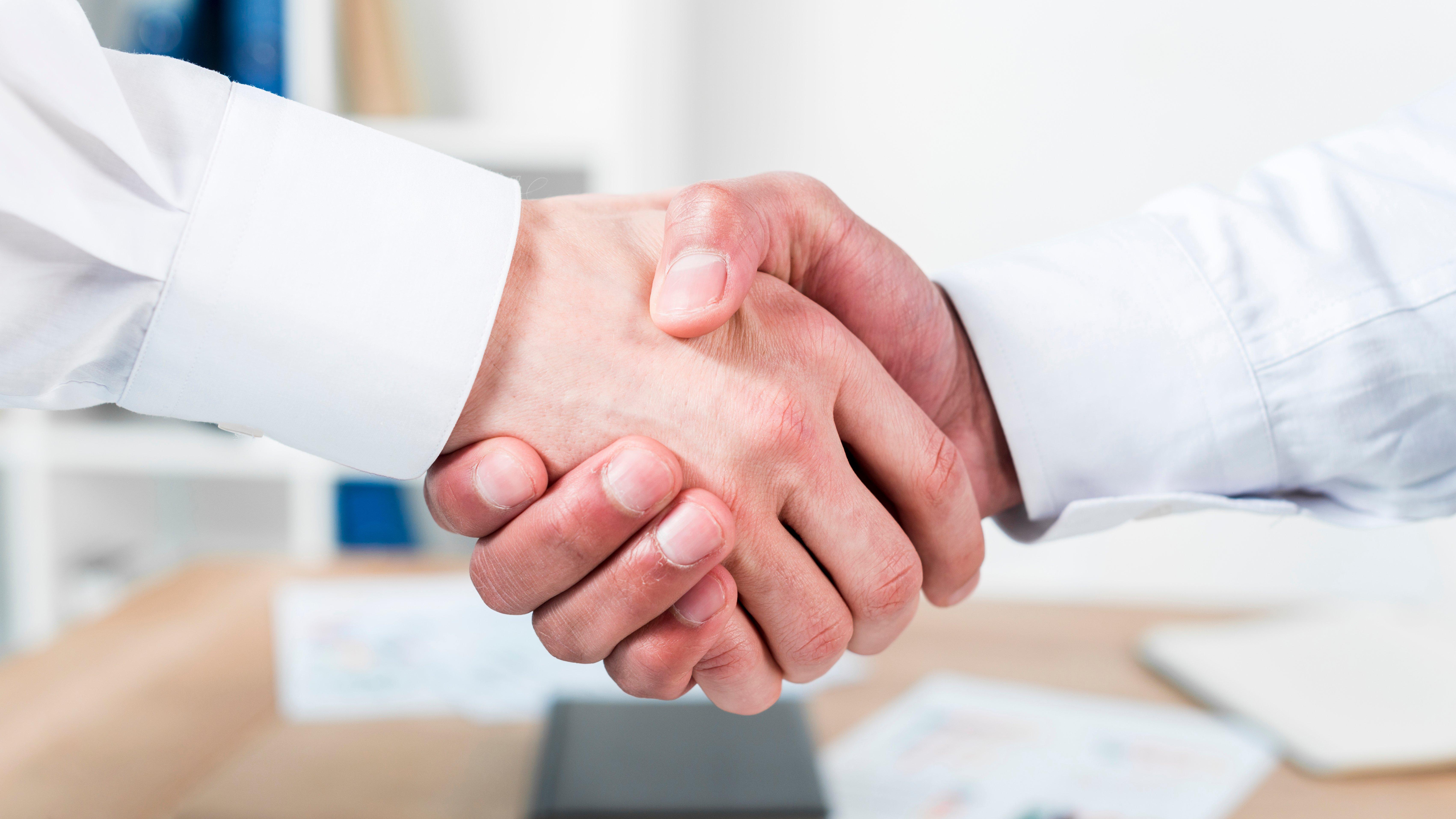 Cibernos completa con éxito la adquisición de una participación en la empresa Fibernet