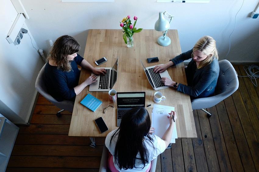 Ejemplos de reuniones de trabajo, ¿cómo te ayuda la Gestión de Comités