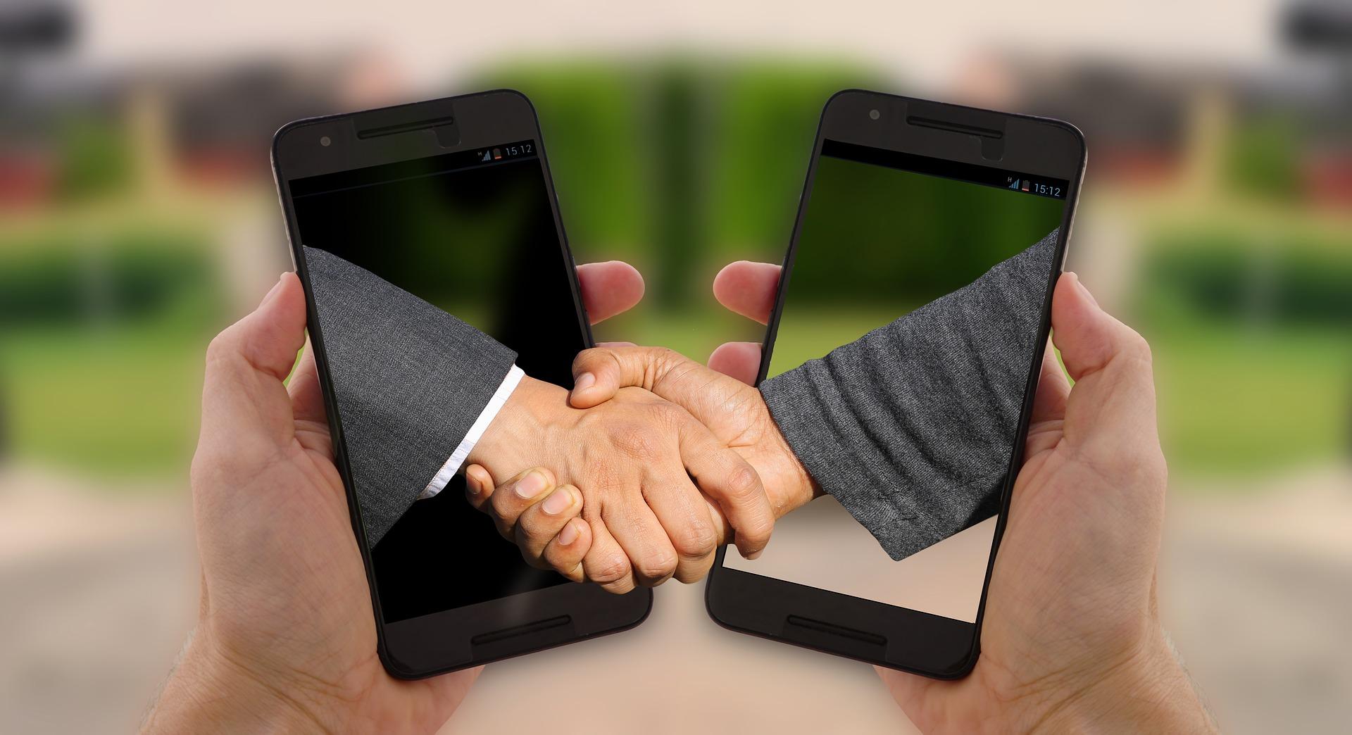 shaking-hands-3464041_1920